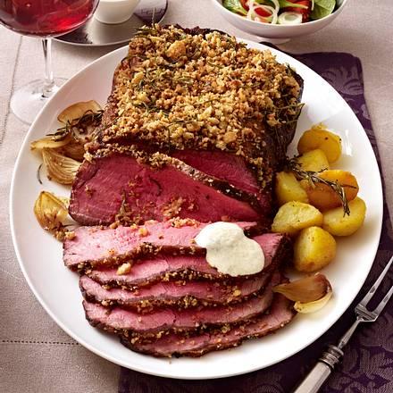 Roastbeef mit Rosmarin-Pfeffer-Brot-Kruste Rezept
