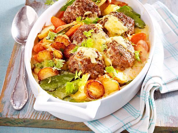 Röstkartoffel-Frikadellen-Auflauf Rezept