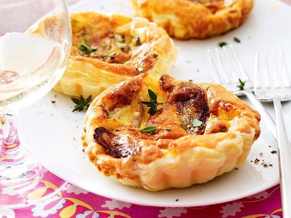 Roquefort-Schalotten-Tarteletts Rezept