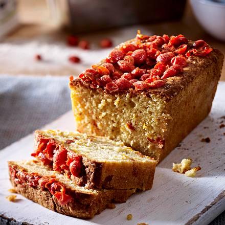 Rosehip and Cardamom Cake Rezept