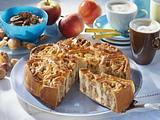 Rosetten-Torte mit Nuss-Apfel-Marzipan Füllung Rezept