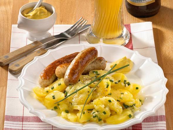 Rostbratwürstl mit Kartoffelsalat Rezept