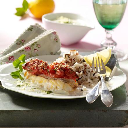 Rotbarschfilet mit Tomatenkruste, Zitronensoße und Reis Rezept