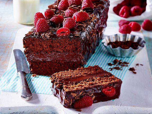 Rote Bete Kuchen mit Ganache und Himbeeren Rezept