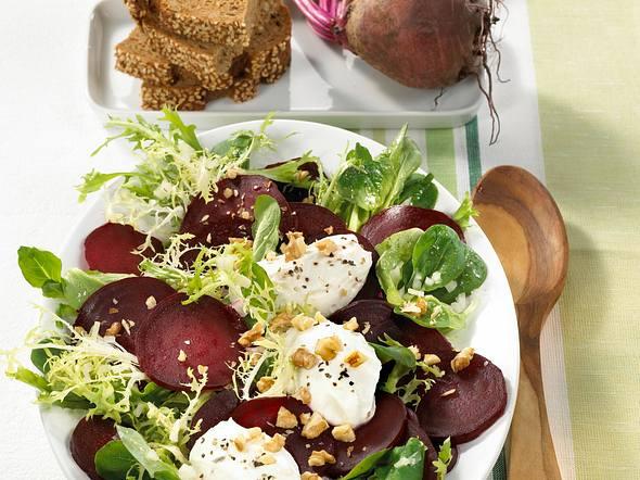 Rote Bete-Salat mit Meerrettich-Nocken Rezept