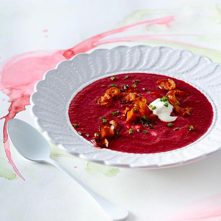 Rote-Bete-Suppe mit Möhrenchips Rezept