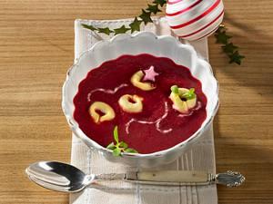 Rote Bete-Suppe mit Tortellini Rezept