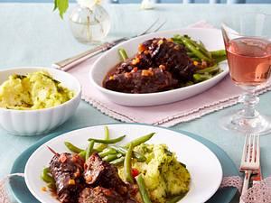 Rotwein-Rouladen zu Pesto-Kartoffelpüree Rezept