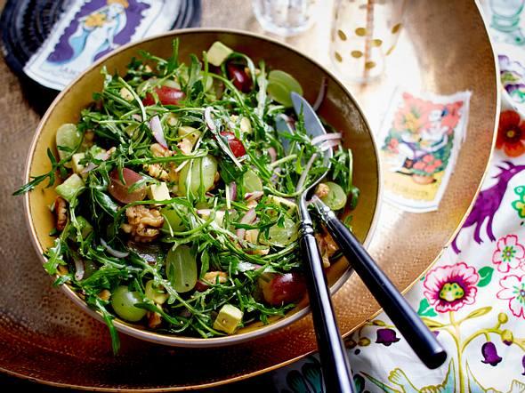 Rucola-Salat mit Avocado und Walnüssen Rezept
