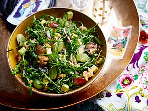 Rucolasalat mit Avocado und Walnüssen Rezept