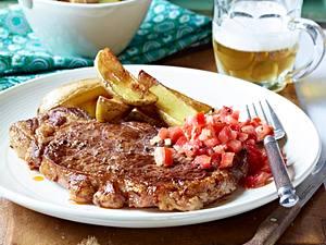 Rumpsteak mit Meerrettich-Tomatensalsa und Country-Potatoes Rezept