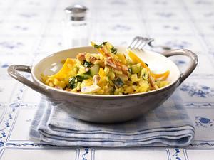 Safran-Risotto mit Möhren, Mangold und Mandeln Rezept
