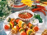 Saftige Gemüsespieße mit feuriger Salsa Rezept