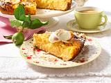Saftiger Apfelkuchen mit Creme double-Guss (mit Mandelblättchen) Rezept