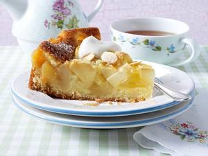 Saftiger Creme double-Apfelkuchen mit Walnüssen  Rezept