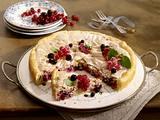 Saftiger Johannisbeer-Kuchen mit Baiser Rezept