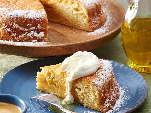 Saftiger Olivenölkuchen mit Orangensirup Rezept