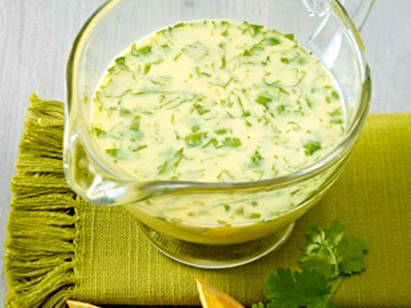 Salat-Dressing mit Buttermilch, Koriander und Orange Rezept