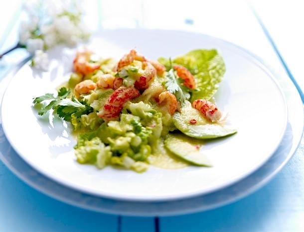 Salat mit Flusskrebsen und Gurkendressing Rezept