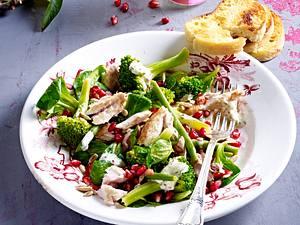 Salat mit gebratener Makrele und Granatapfelkernen Rezept