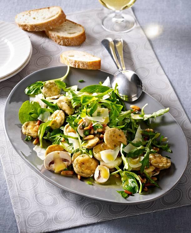 salat mit wei wurst und pilzen rezept lecker. Black Bedroom Furniture Sets. Home Design Ideas