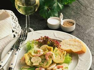 Salat von Artischockenherzen mit Champignons und Krabben Rezept