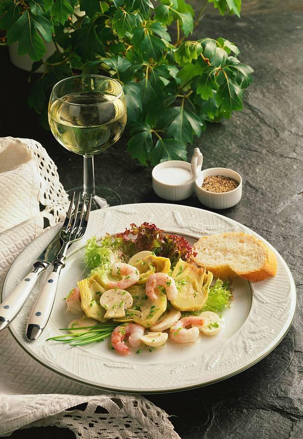 salat von artischockenherzen mit champignons und krabben rezept lecker. Black Bedroom Furniture Sets. Home Design Ideas