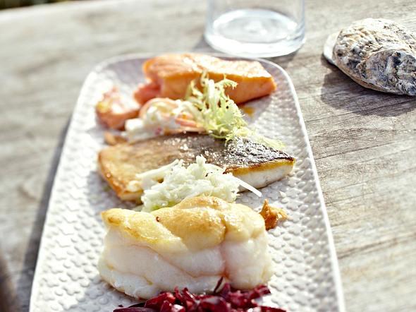 Salatkomposition mit dreierlei Fisch und Aioli Rezept