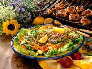 Salatplatte mit Lammkoteletts Rezept