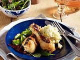 Salbei-Hähnchenkeulen mit Kartoffel-Topinambur-Püree und Blattsalat Rezept