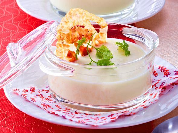 Samtige Selleriesuppe mit Pancettachips Rezept