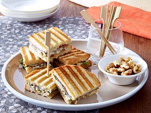 Sandwich mit Roquefort und Walnüssen Rezept
