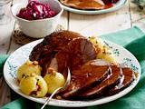 Sauerbraten vom Wildschwein mit Rotkohl Rezept