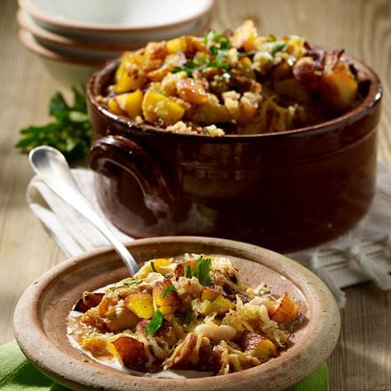 Sauerkraut-Kasseler-Topf mit Kartoffel-Butterbrösel-Kruste Rezept