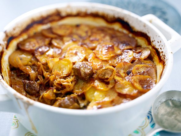 Sauerkrautgulasch mit Kartoffelgratin-Deckel Rezept