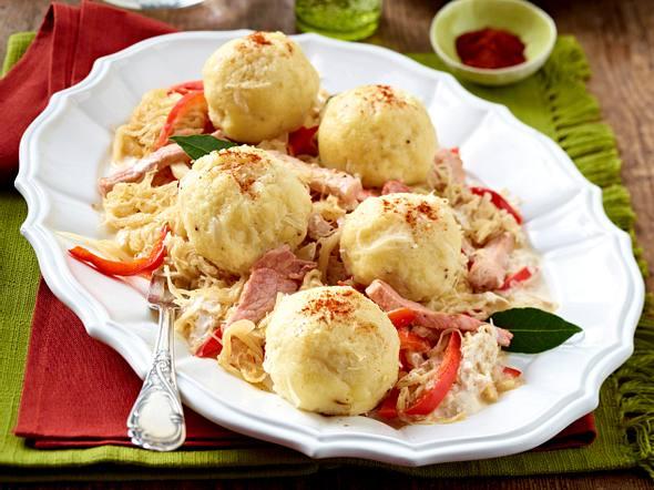 Sauerkrautknödel mit Kasseler-Paprika-Pfanne Rezept