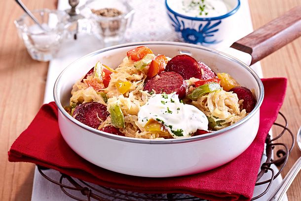 Sauerkrautpfanne mit Kabanossi Rezept