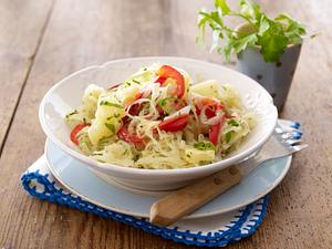 Sauerkrautsalat mit Paprika und Ananas Rezept