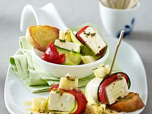 Schafskäse im Zucchini- und Paprika-Mantel mit Knoblauch-Vinaigrette Rezept