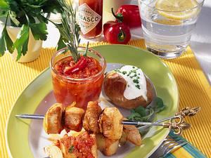 Scharfe Putenspieße mit Salsa Rezept