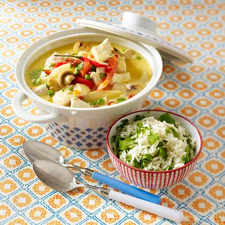 Scharfes Hühnerfrikassee mit Koriander-Reis Rezept