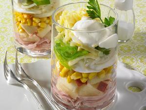 Schichtsalat mit Schinken und Ei Rezept