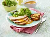 Schinkenbraten mit Gemüsesoße und Salat Rezept