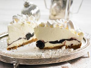 Schneeflocken-Torte mit Amarena-Kirschen  Rezept