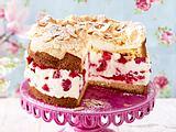 Schneemousse-Torte mit Himbeeren Rezept