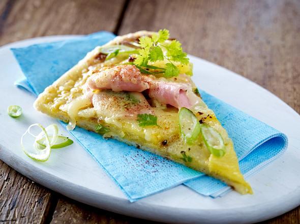 Schnelle Pizza mit Pute, Ananas & Lauchzwiebeln Rezept