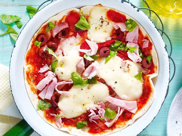 Schnelle Tortillapizza aus der Pfanne Rezept