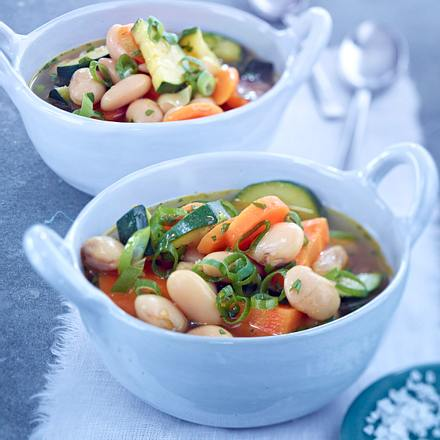 Schneller Bohnen-Gemüseeintopf Rezept