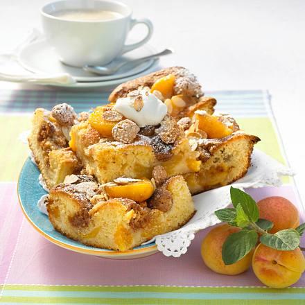 Schneller Butterkuchen mit Aprikosen Rezept