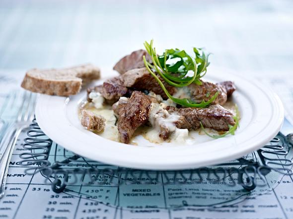 Schnelles Rinderfilet mit Gorgonzola und Rucola Rezept